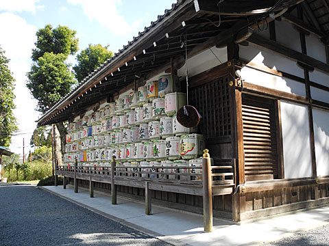 神輿庫の酒樽