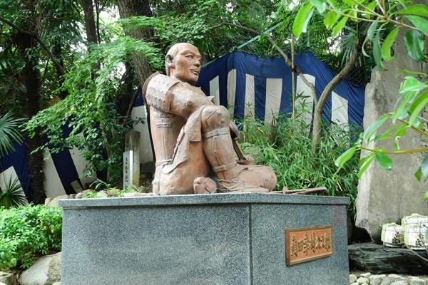 眞田幸村公の像