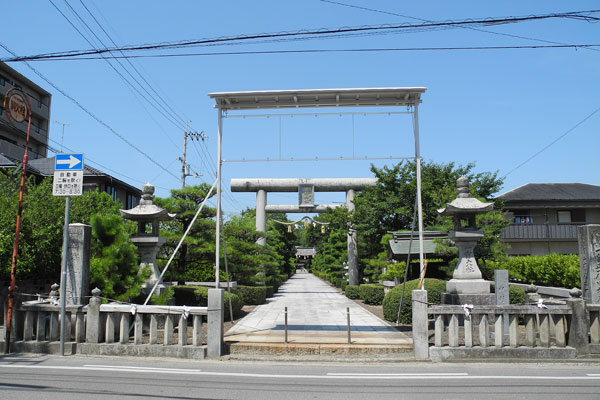 田村神社表参道入り口