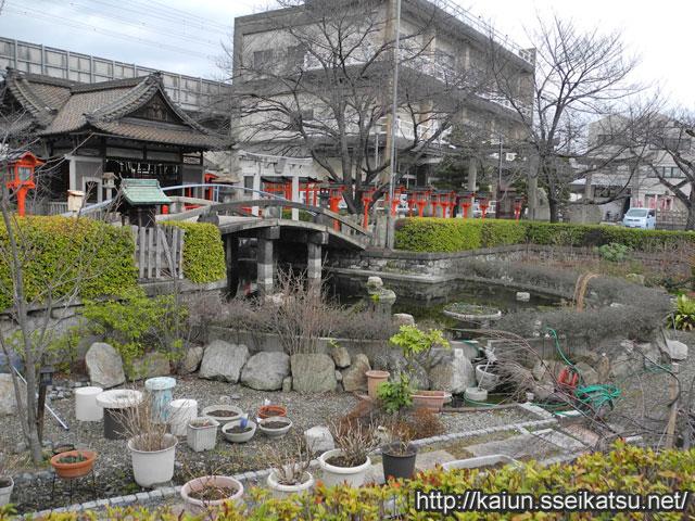 六孫王神社池