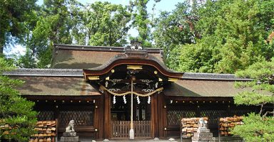 梅宮大社拝殿